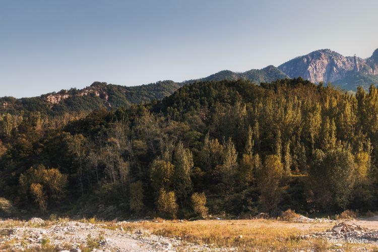 """Wanxian (""""Ten Thousand Divinities"""") Mountain Scenic Area1"""