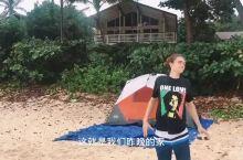 在沙滩上露营