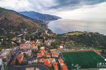 吕克贝松《碧海蓝天》的外景地:西西里岛陶尔米纳