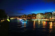 巴黎塞纳河:埃菲尔铁塔下正在滋生无数爱情
