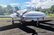 坐上瓦努阿图最快的空的,前往神秘的pantecost岛,当地人还保留着一种特殊的成年礼, 从十米高的
