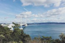 世界三大漩涡之一---涡之道  讲到鸣门大桥最有名的就是可以近距离观赏漩涡了~  因潮汐的不同以及海