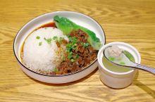 雅拉,一家平民化的东南亚风味定食餐厅