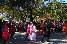 在云南蒙自南湖看到的魔性舞蹈