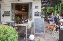 贝尔格莱德|美食探店|CASA NOVA  这家几乎是大部分攻略都会提到的 算是网红店。本想pass