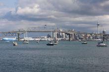 海港大桥~~奥克兰的标志性建筑之一  奥克兰海港大桥(Harbour Bridge)横跨matama