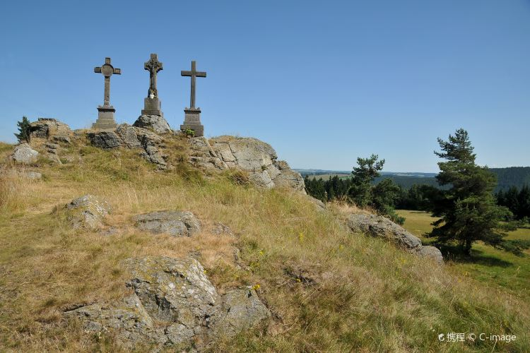 Three Crosses1
