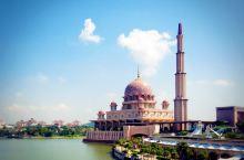 漂亮的粉红清真寺