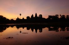 暹粒-吴哥窟 柬埔寨:公元1863~1953被法国殖民,1953西哈努克独立柬埔寨,至1970年是柬
