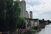 """宁波南塘老街 宁波南塘老街位于宁波古城南门外,曾经是旧宁波商贸文化聚集地的""""南门三市"""",位列宁波八大"""
