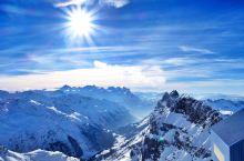 云雾之上,蓝天与雪山更配哦!