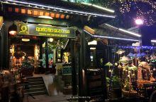 安贡馆-胡志明市必吃的越南菜 西贡有名的餐馆,主打越南菜。环境一流,服务也不错,菜品么略粗糙。 必点