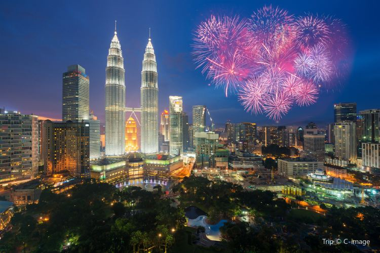 Petronas Twin Towers4