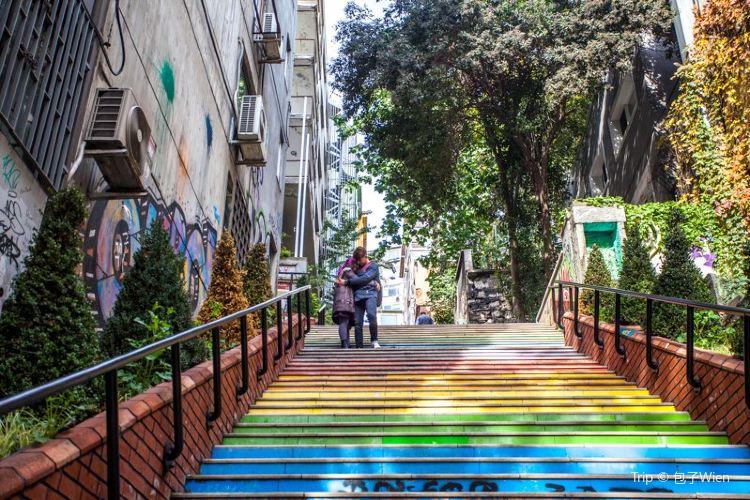 Rainbow Stairs3