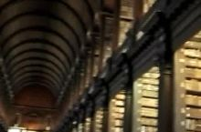 圣三一图书馆