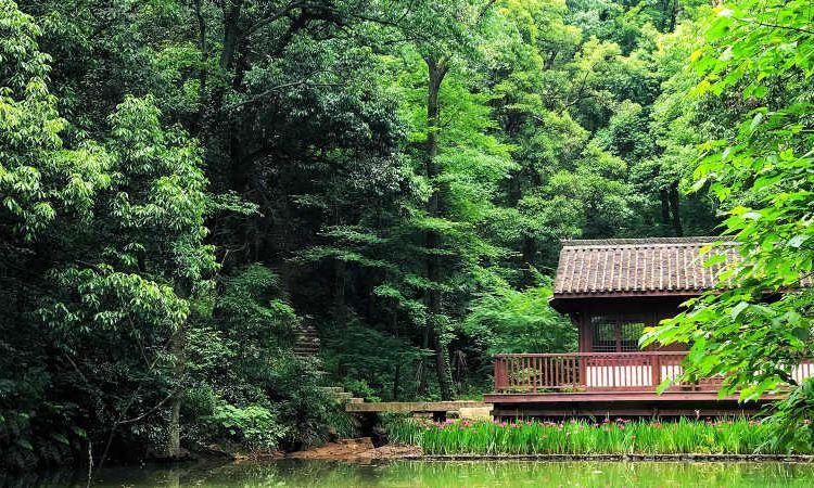 Lingfeng Mountain Sceneic Area1