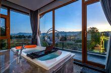 """180°""""凌空""""观景大浴缸,满足你对旅行的所有憧憬!"""