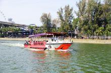 坐水陆两栖鸭子船,一小时游览新加坡的最佳方式
