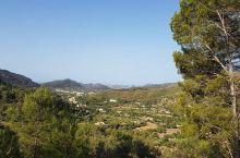 第一次来马略卡岛度假,真的应该游览这座山!  最近和家人在马略卡岛度假,我丈夫计划在老城区去游玩一天