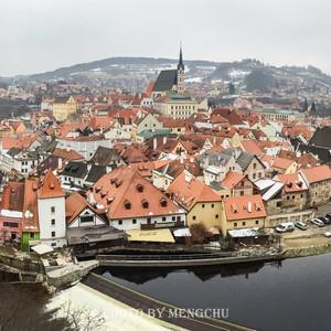 克鲁姆洛夫游记图文-伏尔塔瓦河畔的童话世界,小清新与重口味的捷克之旅