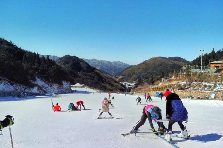 綠水尖滑雪場