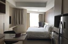 這家酒店很垃圾,房間跟浴室漏水很嚴重,退房的時候押金也還少了