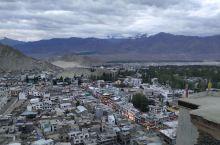 喜马拉雅山脉是佛教的万里长城