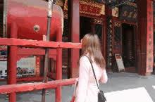 出来龙门石窟,今天的第二站是关林庙。里面空间很大,但景致不算特别。这个季节的关林庙人也不多,每逢过年