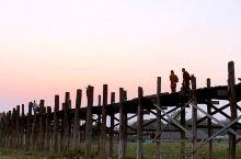 缅甸乌本桥日落