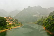 雾锁乌溪江,云生天马山