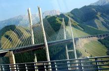 南疆伊犁谷地之果子沟大桥