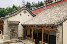 六月十五塔尔寺朝拜古老的寺院