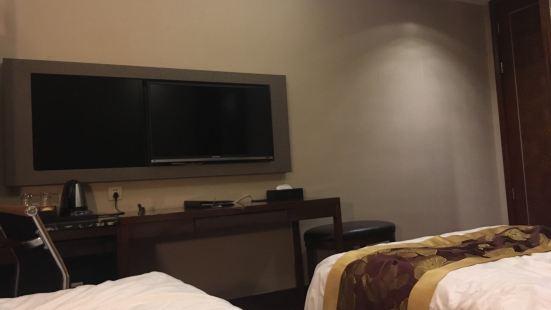 東江半島假日酒店餐飲部