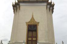 柬埔寨金边皇宫。