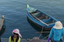 热闹的威海合庆渔船码头
