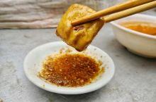 建水烧豆腐:舌尖上的美味 建水县旧称临安府,临安城豆腐的历史极其悠久,早在清代中后期就享有盛名,所以