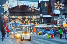能看到阿尔卑斯雪山的圣诞市集