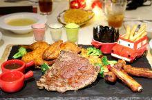 这个夏天,带上全家,到豪客来牛排吃一顿黄金海陆分享大餐