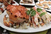 吃在大连-有朋自远方来,来顿狠局。五斤重的帝王蟹吃起来过瘾!