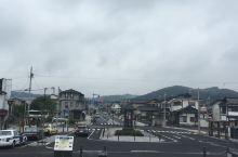 平泉位于日本东北的岩手。岩手县与宫城县、福岛县都是大震灾中受灾最严重的三个县。选择岩手初衷是为了三年