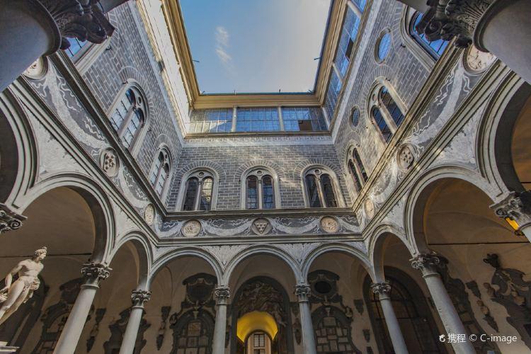Medici Riccardi Palace1