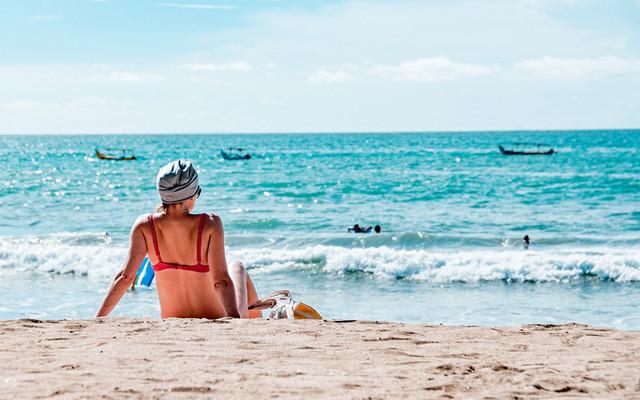 一支烟、一杯酒、一个日落、一座巴厘岛~