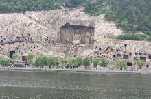 龙门石窟 龙门石窟是中国四大石窟之一,青山绿水,万像生辉,作为佛教艺术宝库,中国古碑刻最多的一处,有