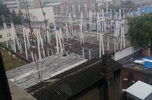 河南巩义国都宾馆后面的电站真大