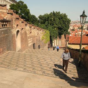 新城堡阶梯旅游景点攻略图