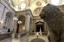 十月初冬夏交错中的马德里王宫
