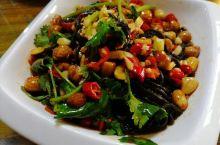 侗湘土菜馆 来吃一家口味较重的湘菜馆,果然不负众望,在苏州评价很高的一家湘菜馆吃到了酣畅淋漓的辣味菜