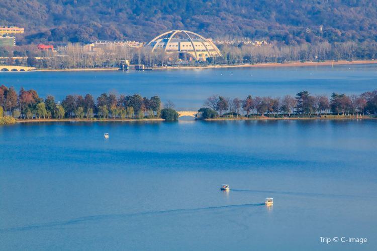 Xuanwu Lake2