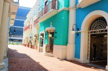 """澳门 澳门,一个国际自由港和世界旅游休闲中心,它的本名为濠镜或濠镜澳,因为当时泊口可称为""""澳"""",所以"""
