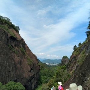 虎啸岩旅游景点攻略图